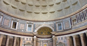 1200px-Rome-Pantheon-Interieur1